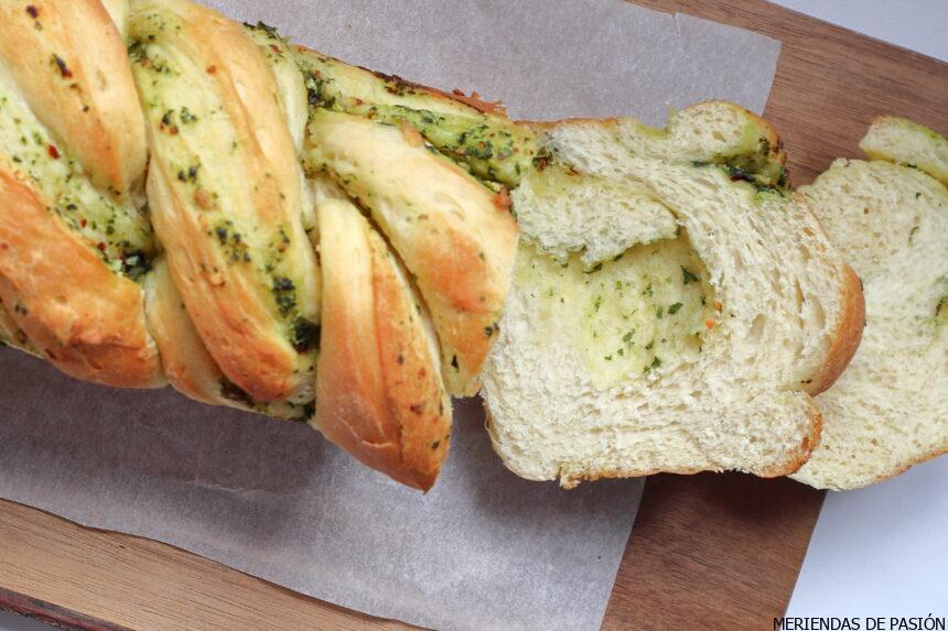 Pan de ajo y finas hierbas